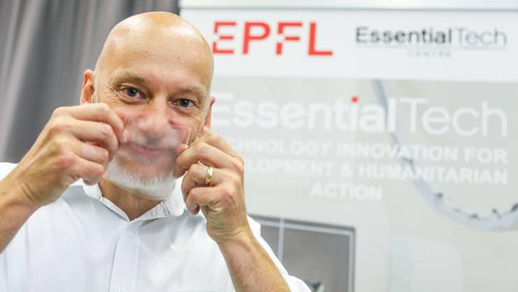 Hoffnung für Gehörlose: Die neue, vollständig transparente Gesichtsmaske, welche Forscher der EPFL in Lausanne und der Empa entwickelt haben.
