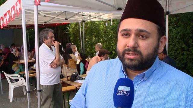 Koranvers statt Schweizerpsalm aber unter Schweizerfahne