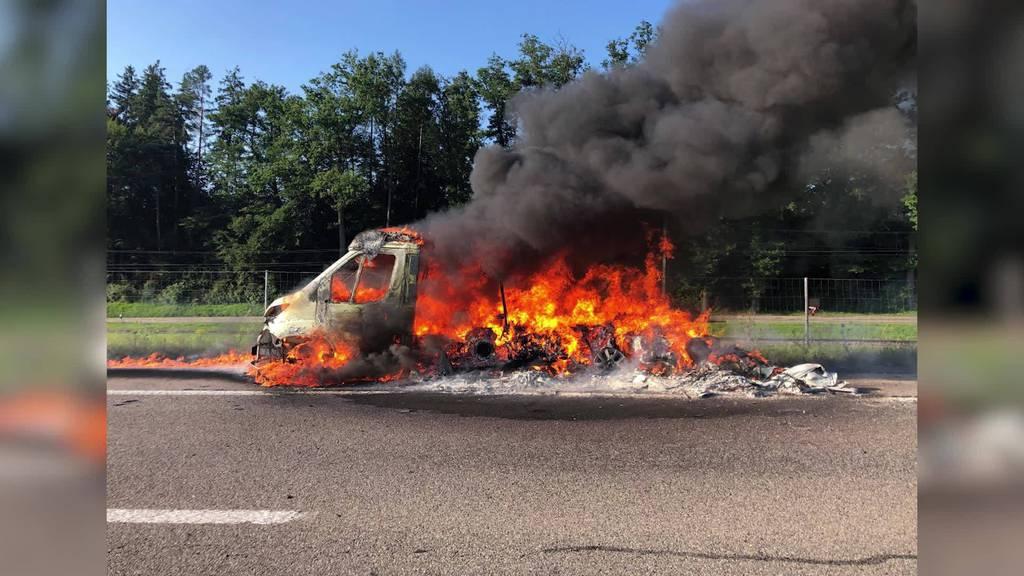 Kurznachrichten: Fahrzeugbrand, Unwetter, FCSG, Diethelm