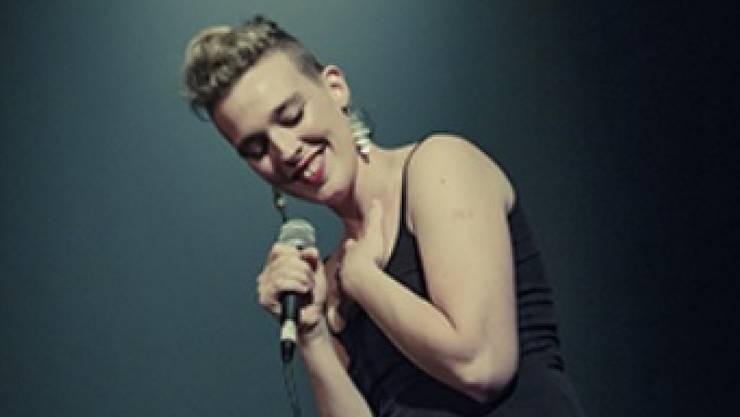 Die 35-jährige französische Sängerin Barbara Weldens starb auf der Bühne vermutlich an einem Stromschlag. (Pressebild)