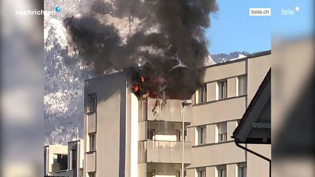 Balkonbrand in Brunnen rief Grossaufgebot auf den Plan