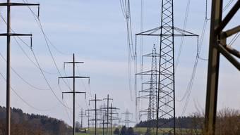 Die Talsohle ist erreicht: Ab nächstem Jahr dürfte der Strompreis wieder steigen. (Archiv)