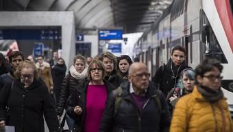 Rund um den Zürcher Hauptbahnhof muss zurzeit mit Verspätungen gerechnet werden. (Themenbild)