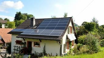 Die Solaranlagen der Familie Schweizer in Bretzwil sind kein Grund für eine «Steuer-Strafe».Franz Schweizer/zvg