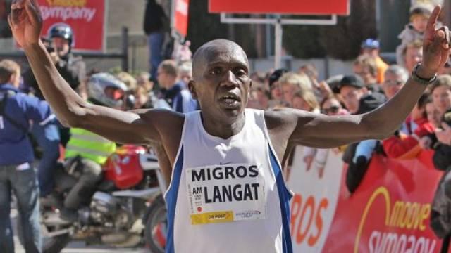 Der Kenianer David Langat siegte mit über einer Minute Vorsprung