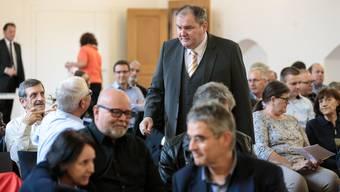 Am Dienstag entschieden die Gemeindevertreter über ihre Haltung zur Steuervorlage. Roger Siegenthaler (m.), Präsident des Einwohnergemeindeverbandes, konnte zufrieden konstatieren: Mit 126 zu 2 Stimmen unterstützen die Gemeinden die Vorlage stark.