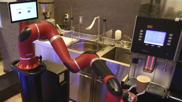 Hier serviert ein Roboter den Kaffee