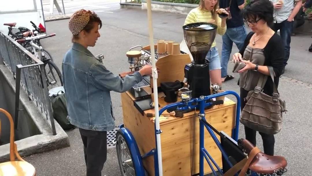 Samira Schmitters Mini-Café auf drei Rädern im Video