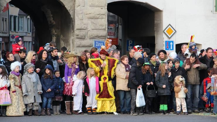 Grosser Publikumsaufmarsch am Mellinger Fasnachtsumzug
