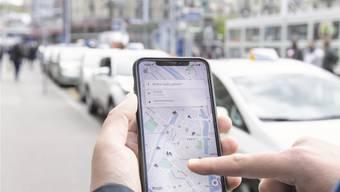 Zu Uber wird es komplizierter, denn noch ist unklar, welchen rechtlichen Status die Uber-Fahrer eigentlich haben. (Symbolbild)