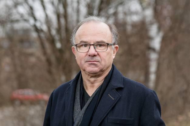 Ab 1984 war Kurt Roth zuerst Therapeut und später Geschäftsleiter der Stiftung für Sozialtherapie.
