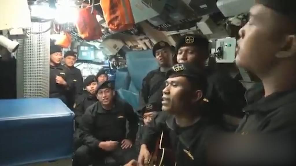 Indonesisches U-Boot: Crew singt gemeinsam Wochen vor dem Unglück