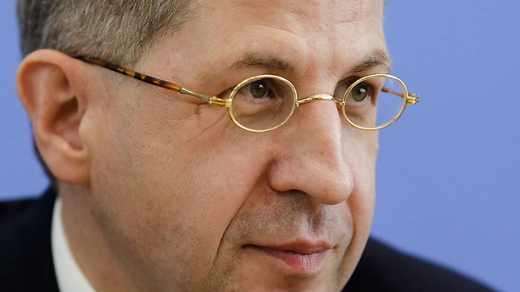 Der Präsident des deutschen Verfassungsschutzes, Hans-Georg Maassen, sorgt mit seinen Zweifeln an Berichten über «Hetzjagden» in Chemnitz für Wirbel. (Archiv)