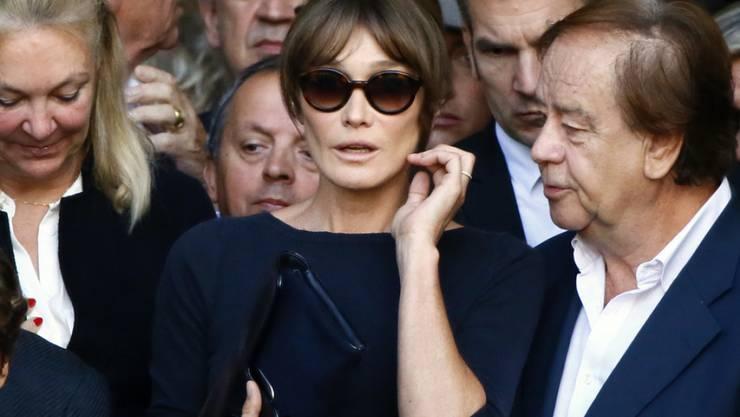 Carla Bruni ist nicht unglücklich, dass ihr Ehemann Nicolas Sarkozy nicht noch einmal Präsident Frankreichs geworden ist. Die Sängerin zieht sich gerne zurück und widmet sich ihrer Musik. (Archivbild)