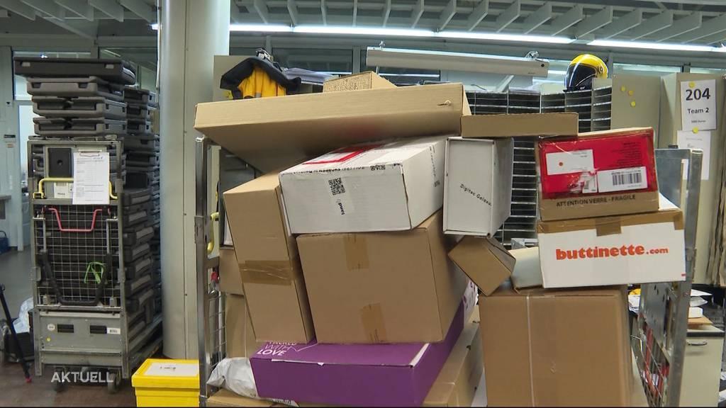 «Päcklistress»: Wegen dem Black Friday schwimmen die Postboten heute in der Arbeit