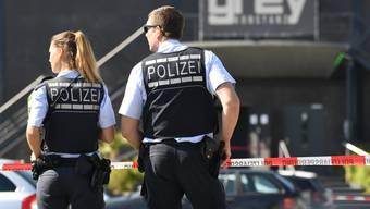 Bald keinen Posten mehr in der Fussgängerzone: Die Polizei Bad Säckingens zieht um. Im Symbolbild: Deutsche Polizisten in Konstanz.