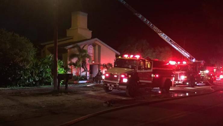 Im Islamic Center von Fort Pierce in Florida pflegte der Mann zu beten, der in einem Homosexuellenklub in Orlando 49 Menschen erschoss. Nun wurde die Moschee Ziel eines Brandanschlags.