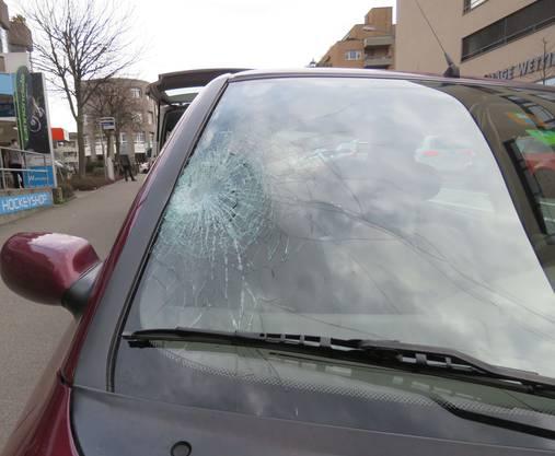 Der Unfall ereignete sich um 17.15 Uhr auf der Landstrasse in Wettingen