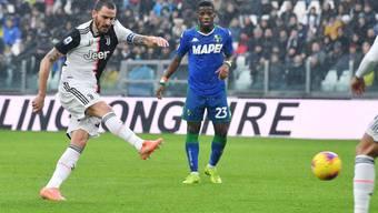 Hier bringt Leonardo Bonucci Juventus mit einem Weitschuss früh in Führung