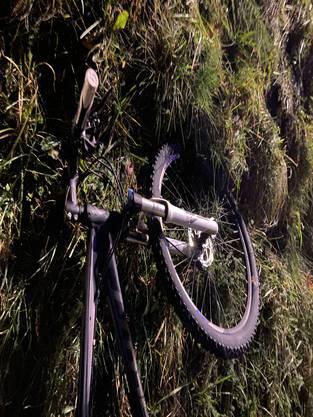 Eine Fahrradlenkerin verletzte sich in Arni.