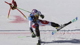Luca Aerni kämpft sich über die Ziellinie - aber es fehlt eine Hundertstelsekunde