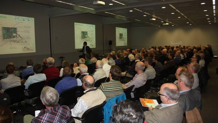 Rund 200 Gäste folgen den spannenden Ausführungen der drei Referenten Martin Vesper, Daniel Cajoos und Rainer Bacher.