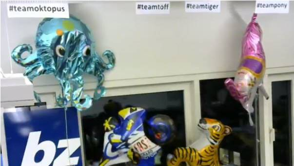 Der Töff leistet nun dem Tiger ein Stockwerk tiefer Gesellschaft. Welchem Herbstmesse-Ballon geht als nächstes die Luft aus?