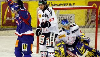 Slowakischer Jubel (hier Starosta) - Back und Goalie Genoni haben das Nachsehen
