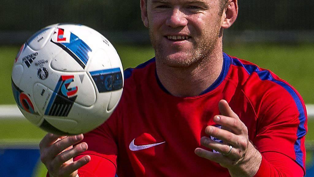 Treue Seele: Englands Captain Wayne Rooney kann sich in England keinen anderen Verein als Manchester United oder seinen Ausbildungsklub Everton vorstellen