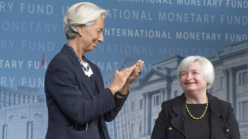 Die EZB-Chefin Christine Lagarde (links) hat mit der US-Finanzministerin Janet Yellen (rechts) ein Telefonat unter anderem über die aktuelle Wirtschaftslage geführt. (Archivbild)