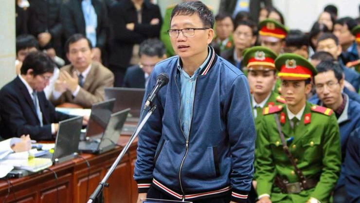 Der Angeklagte Trinh Xuan Thanh am Montag vor Gericht in Hanoi.