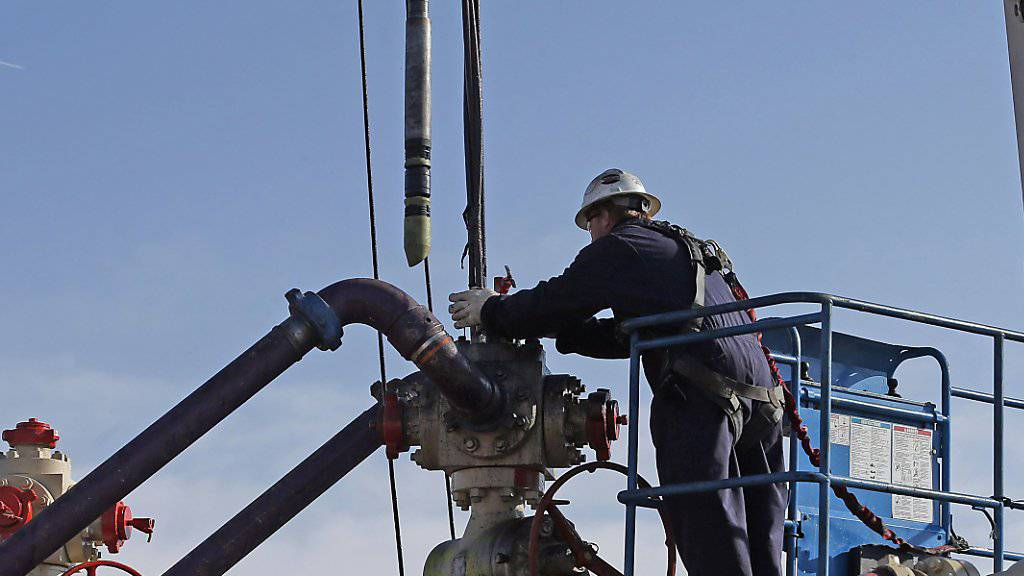 Geräte zum Fracking werden im Bundesstaat Colorado in Stellung gebracht. In einem Fall in Pennsylvania sprach eine Jury eine Frackingfirma schuldig, eine Verunreinigung des Grundwassers verursacht zu haben. (Symbolbild)