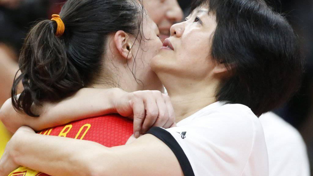 Lang Ping (rechts) führte Chinas Volleyballerinnen zum Olympiasieg