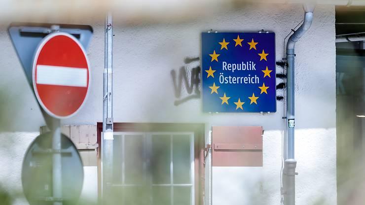 Beim Grenzübertritt nach Österreich braucht es ein ärztliches Attest.