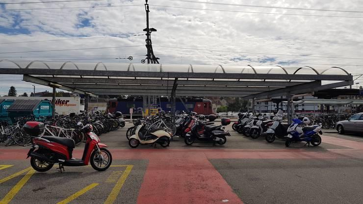Velo- und Mofa-Abstellplätze beim Park&Ride