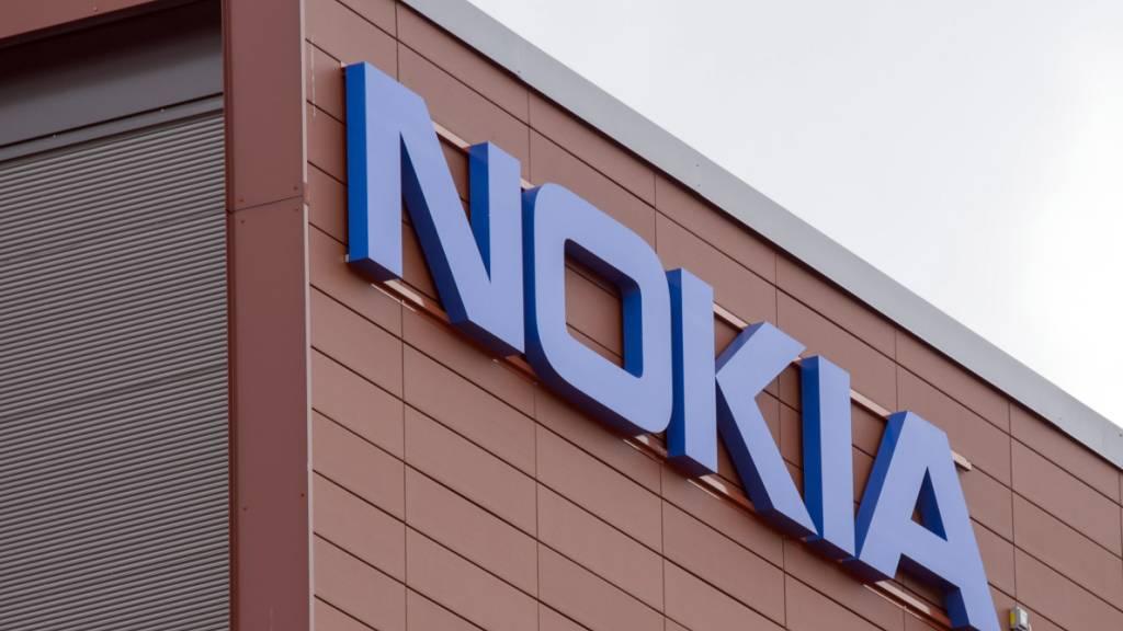 Dem finnischen Nokia-Konzern macht eine abnehmende Nachfrage zu schaffen. (Archivbild)