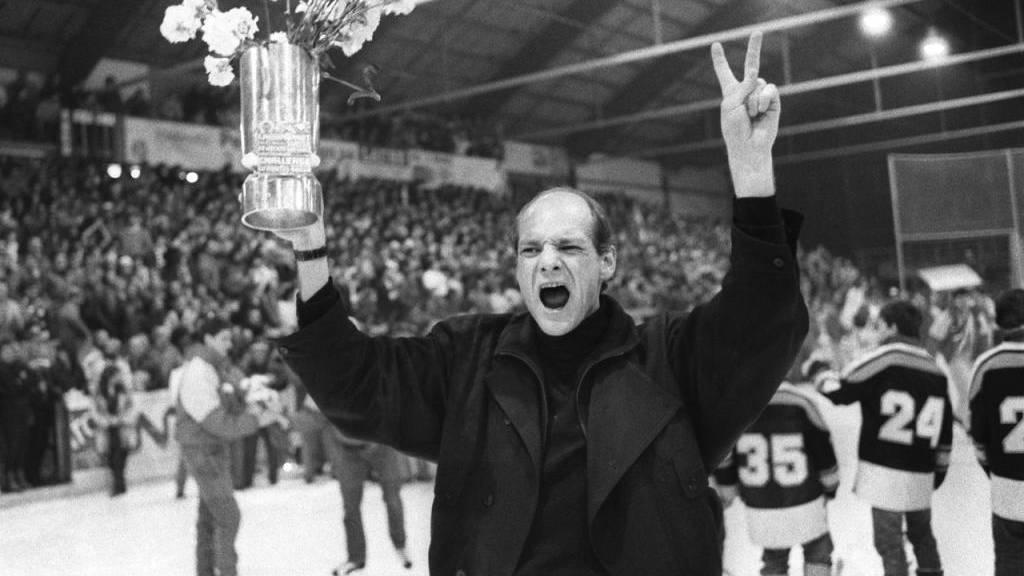 John Slettvoll nach dem Meistertitel mit Lugano 1987.