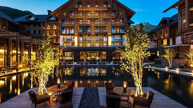 """Fünf-Sterne-Luxus in den Urner Alpen: Das 2013 eröffnete Hotel """"The Chedi Andermatt"""" ist das Schweizer Hotel des Jahres 2017."""