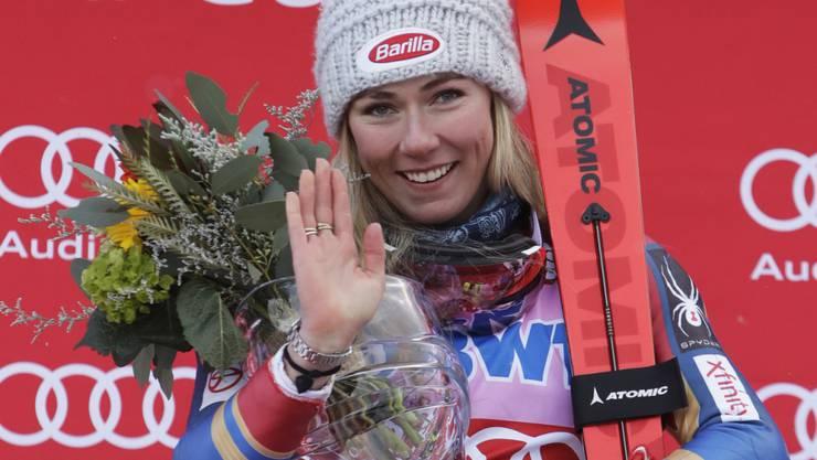 Ein gewohntes Bild: Mikaela Shiffrin lässt sich als Slalom-Siegerin feiern