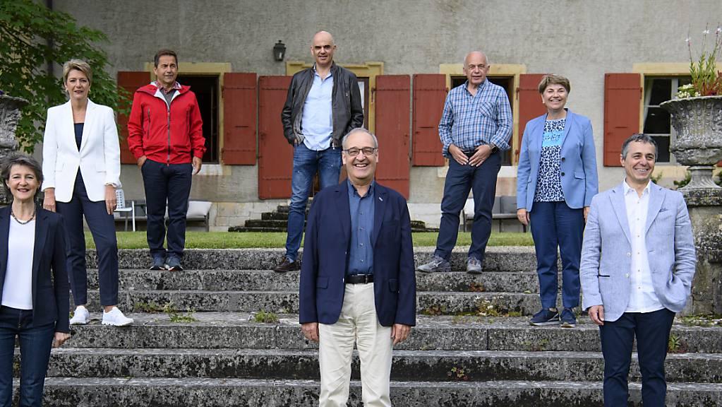 Die Mitglieder des Bundesrats verbringen ihre Sommerferien grösstenteils in der Schweiz. Das Foto entstand auf ihrer Bundesratsreise im Kanton Waadt am Donnerstag, 1. Juli.