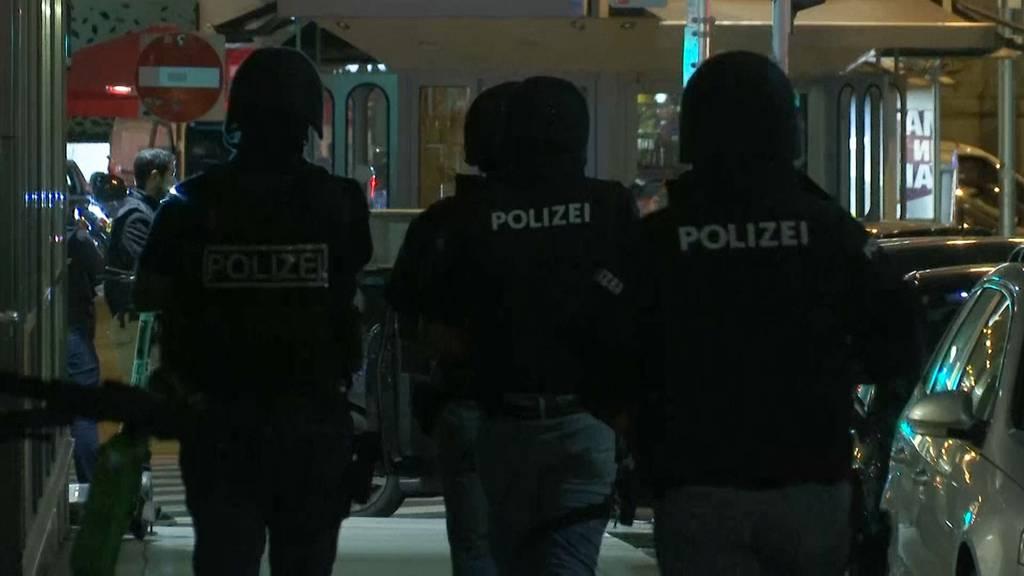 Terror in Wien: Mehrere Passanten und ein Täter tot