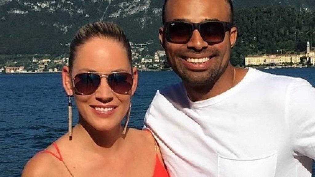 Aufs Familienbild gehört bald noch eine dritte Person: Carmen Rüttimann und ihr Verlobter Hadley werden Eltern. (Instagram Carmen Rüttimann)