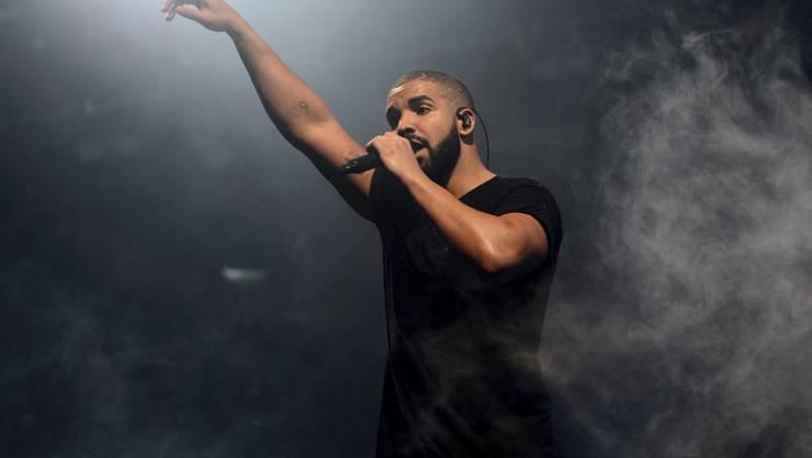 """Erfolgreicher als die Beatles: Der kanadische Rapper Drake ist derzeit mit sieben Songs seines neuen Albums """"Scorpion"""" in den Top Ten der US-Charts vertreten. (Archivbild)"""