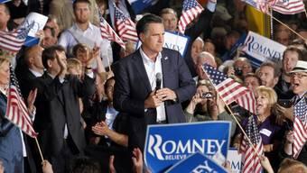 Mitt Romney (Mitte) sorgte mit einer Äusserung für Empörung (Archiv)