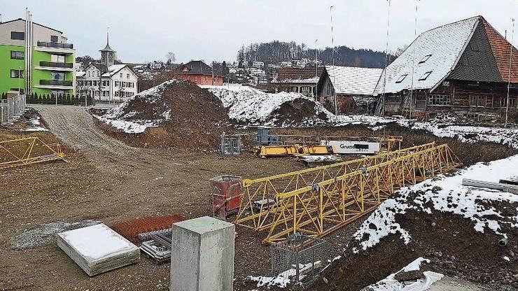 In Hirschthal gibt es erst die Baugrube, aber schon viele Käufer.