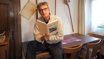 Kaspar Lüscher erzählt in «D Rössligschicht», was sich in den letzten 190 Jahren alles in und um das Gasthaus in Gipf-Oberfrick zugetragen hat.