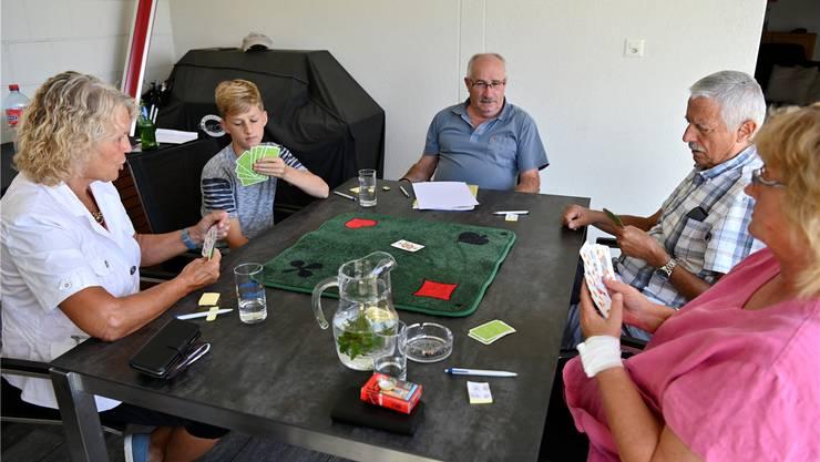 Im Training der «Donnschtig-Jasser» von links: Monika Dietschi, Adrian Schleiss, Thomas Huser, Hans Ulrich Brugger und Nathalie Schindler.
