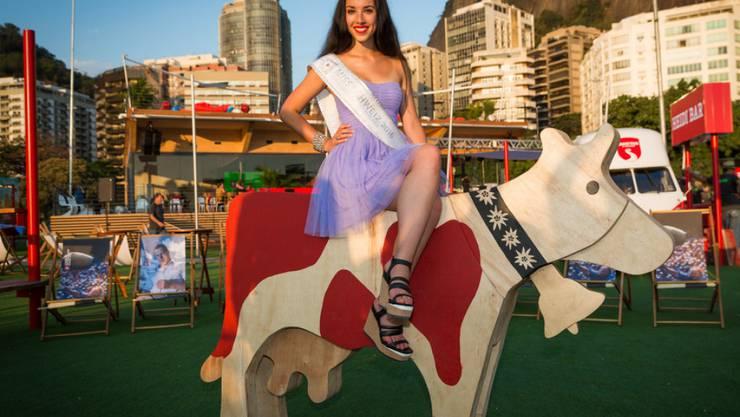 Eine Miss an den Olympischen Spielen: Lauriane Sallin im House of Switzerland. (KEYSTONE/Praesenz Schweiz/House of Switzerland Brazil 2016)