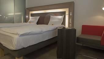 Wegen der Corona-Pandemie blieben in den Basler Hotels im ersten Halbjahr die meisten Hotelbetten leer.