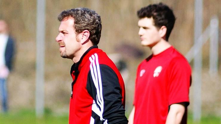 Er holt alles aus seinem Team raus. darin ähnelt Roger Balmer vom FC Oetwil-Geroldswil Ex-Aarau-Trainer René Weiler.